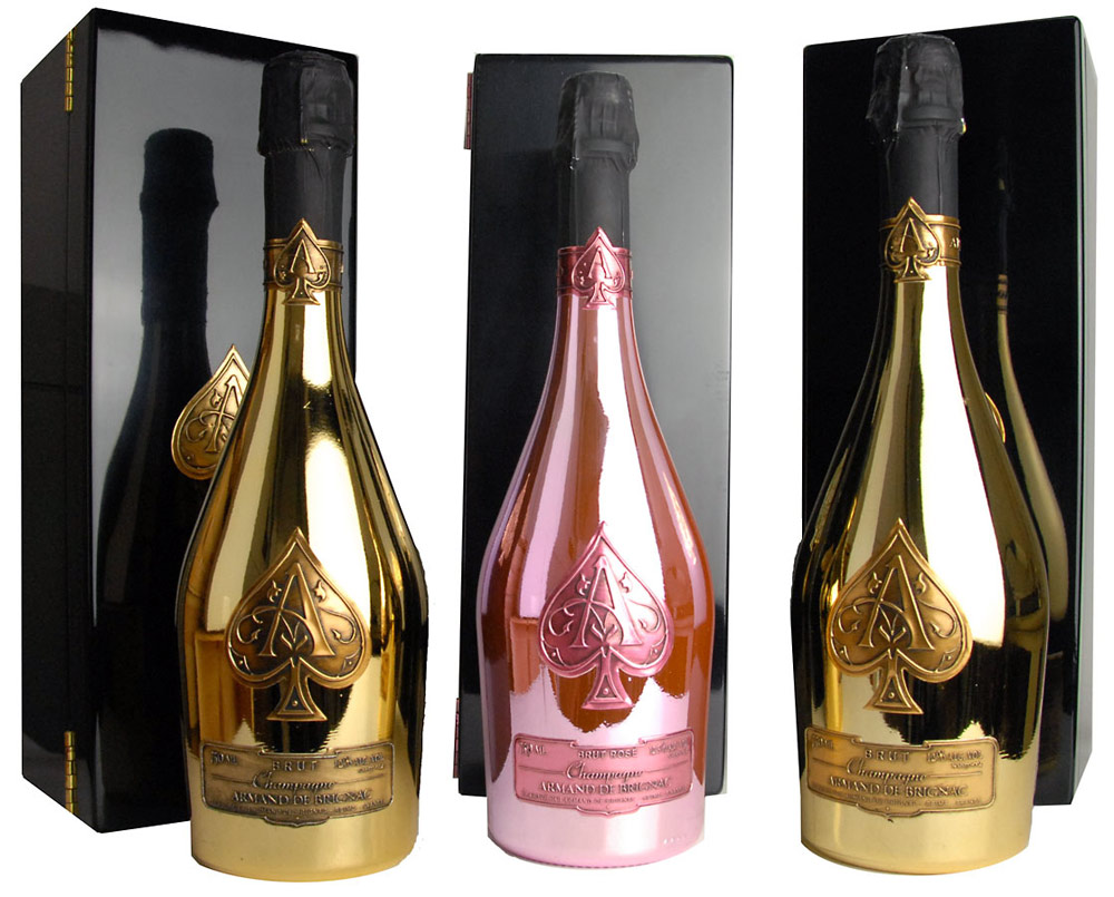 Obrázek k otázce: Kde můžu koupit šampaňské Armand de Brignac?